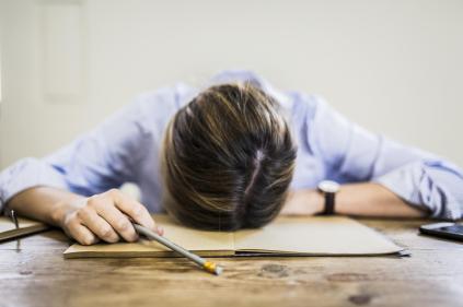 les-consequences-dun-manque-de-sommeil-sur-notre-corps-et-etat-desprit.jpg